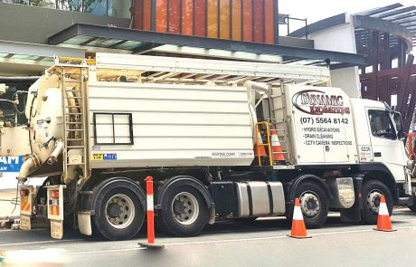 Dynamic Excavations 10000L-High-CFM-Vac-Truck-1